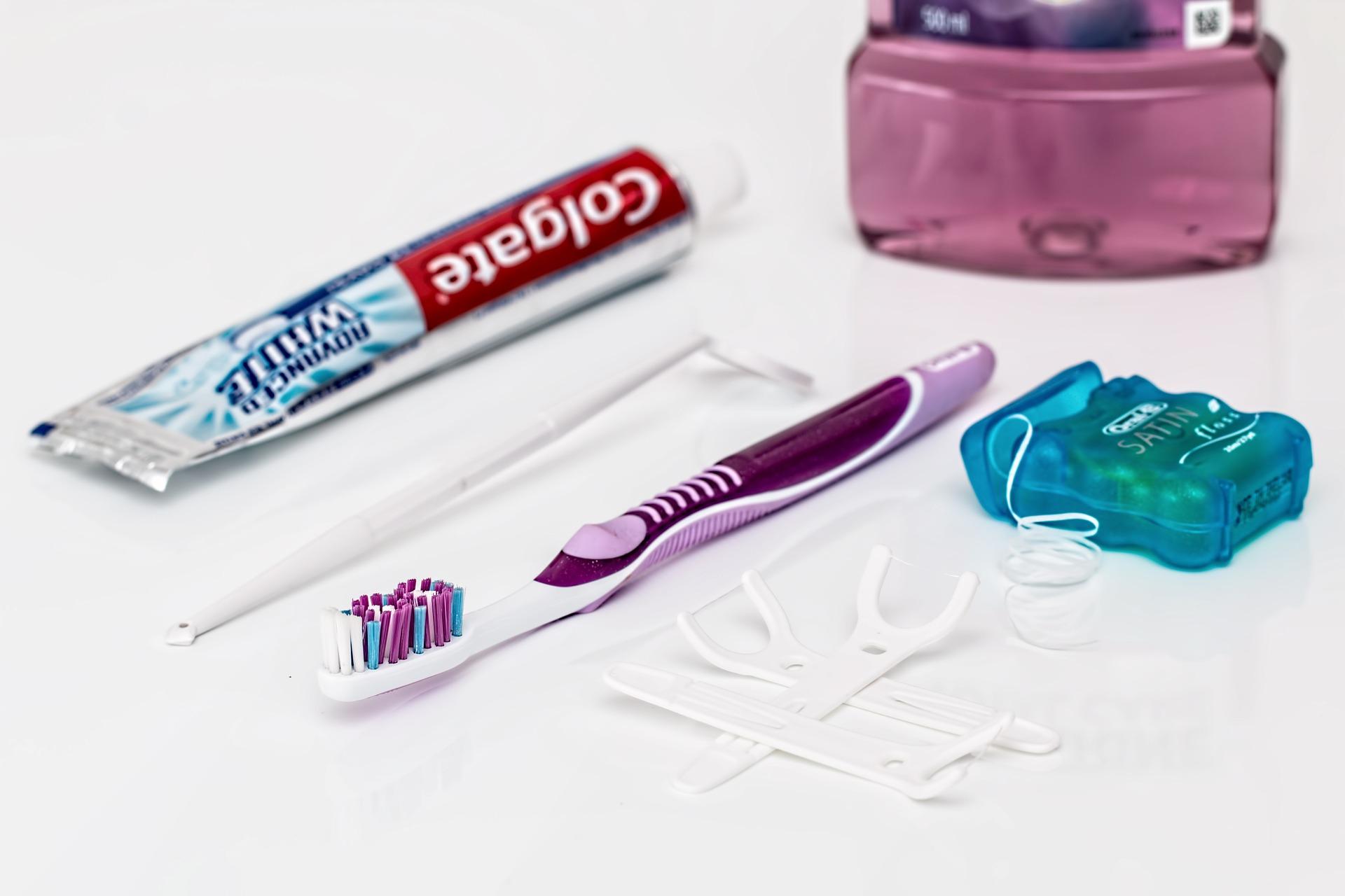 歯磨きだけでは足りてない!?おすすめ歯科グッズとクリーニングについて