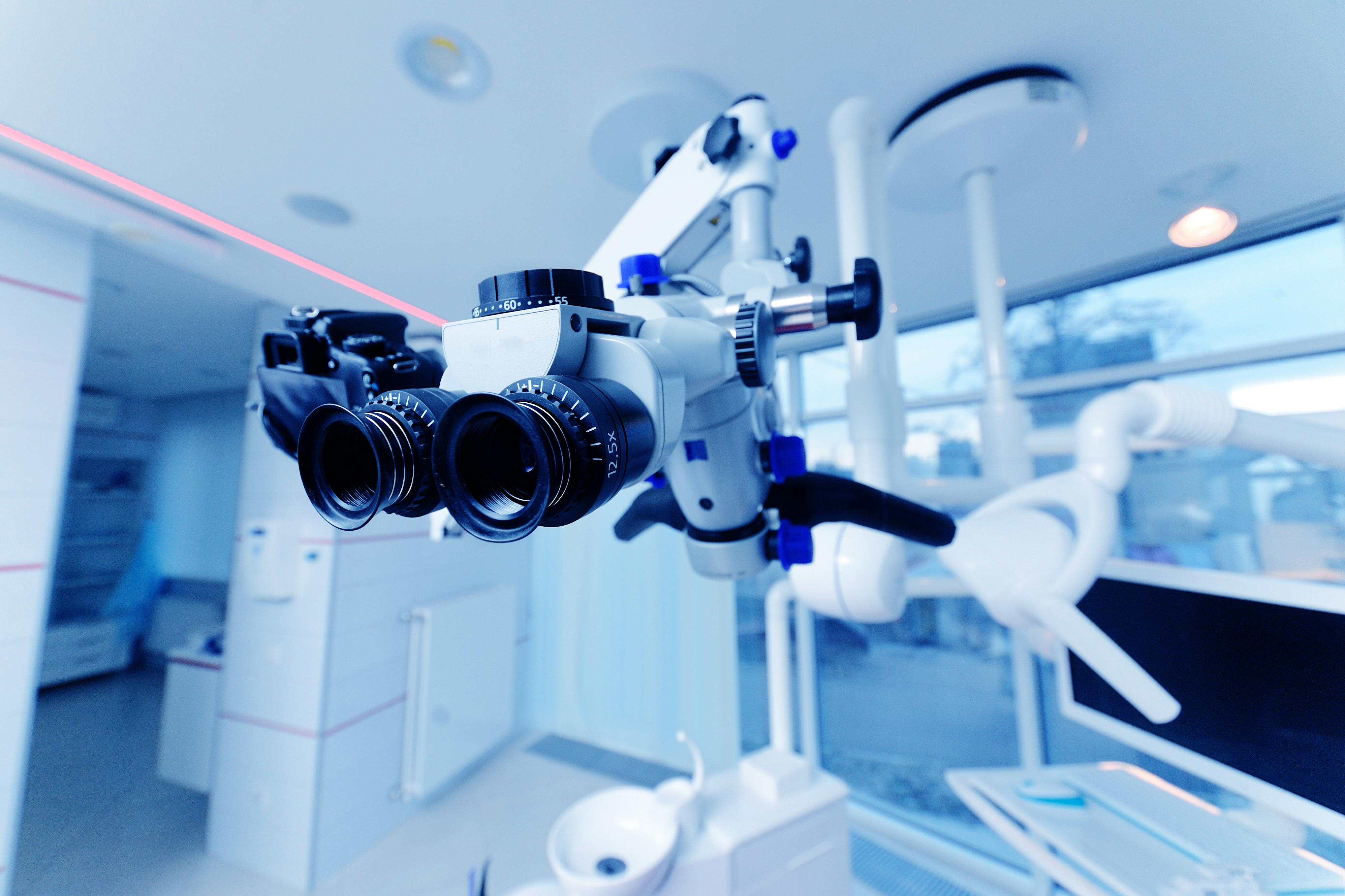 治りにくい神経治療は歯科用顕微鏡を使って完治率up!マイクロエンドの話